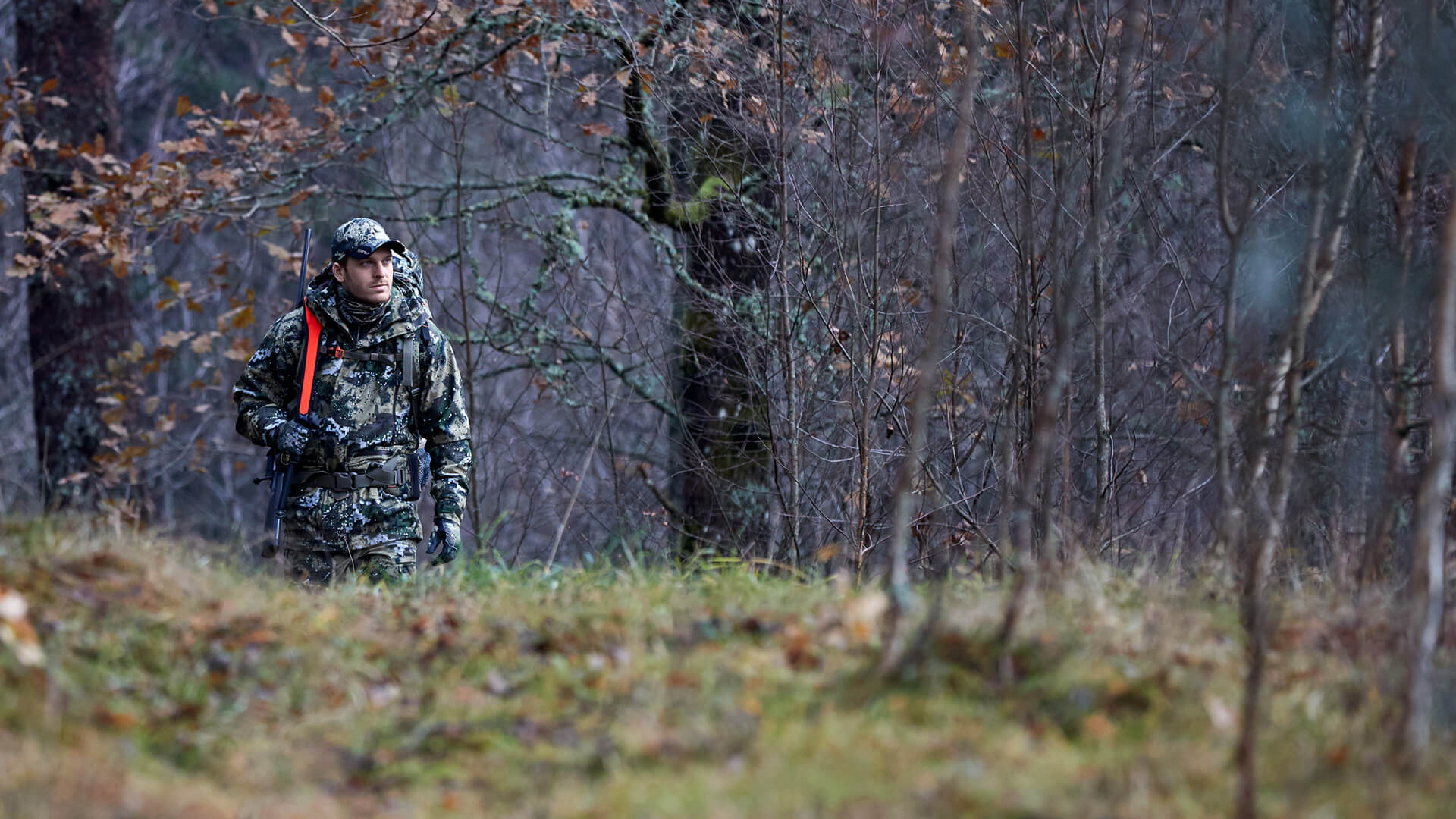Hunter in DESOLVE® camouflage clothing