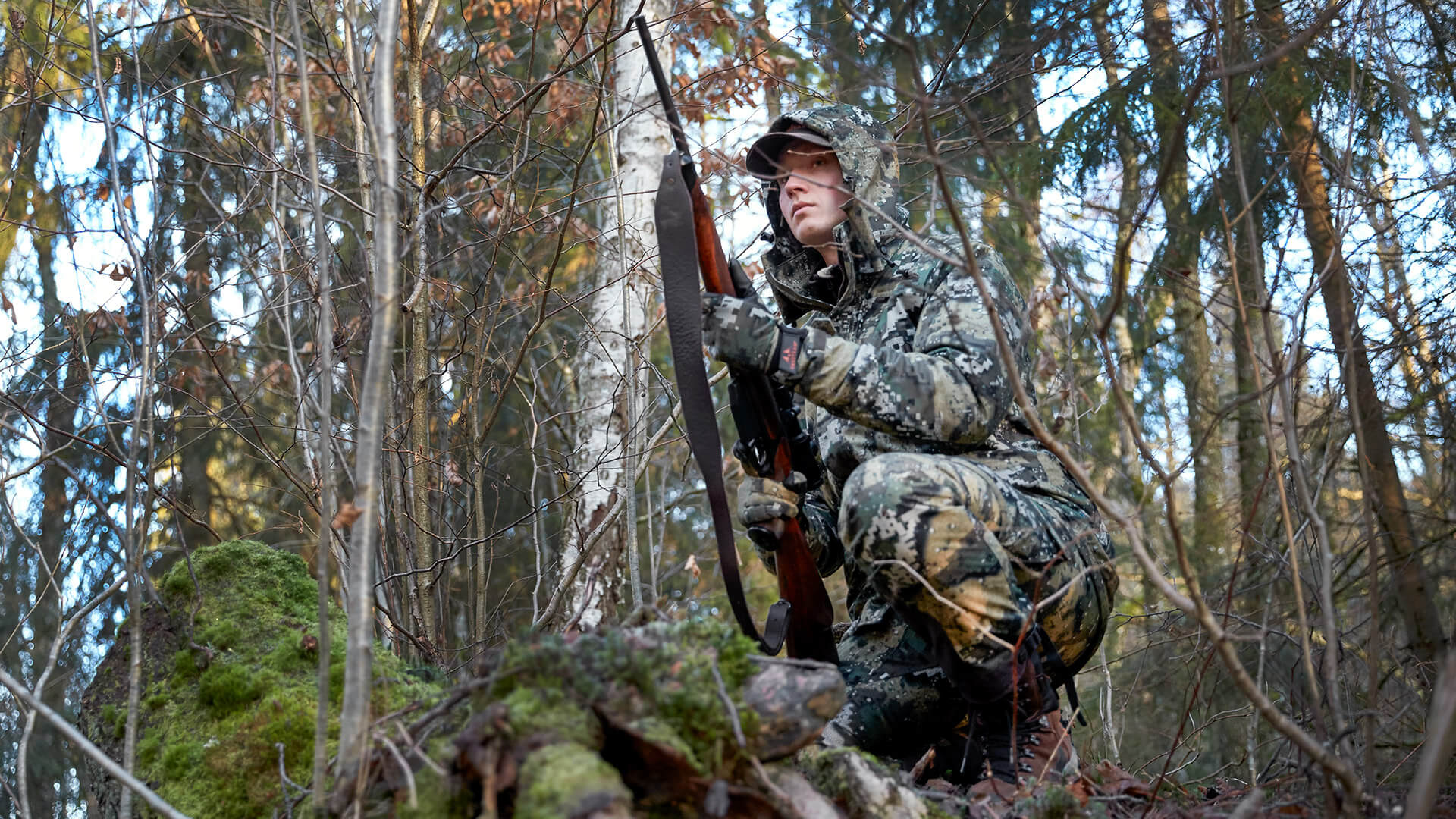 Hunter with the Swedteam Desolve® camouflage